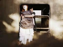 Atene: a teatro sul treno di Rouf