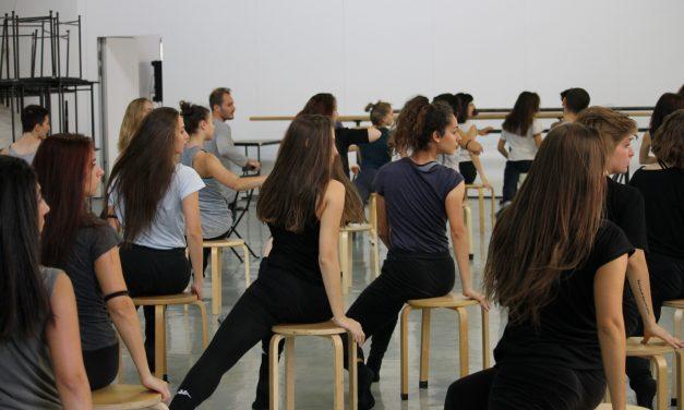 A lezione con Sue Yeon Youn / Compagnia Rosas